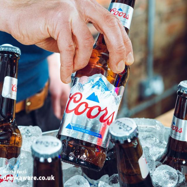 Now that the sun is finally here, don't drink warm beer!   Make sure you wait for the mountains on our bottles and cans to turn blue before opening your Coors, for the most refreshing taste in the summer sun! ☀   #Coors #CoorsFresh